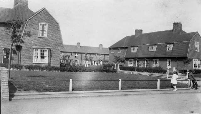 Exhibition2-Banjo-on-the-Becontree-Estate-c.-1932-BD353